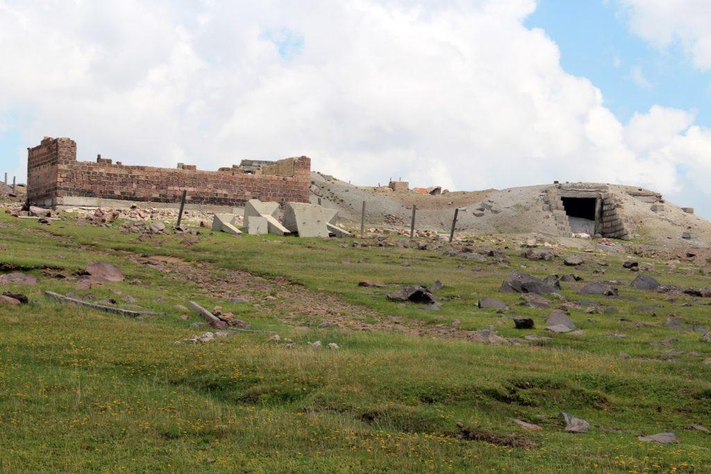At Small Tezharuyq